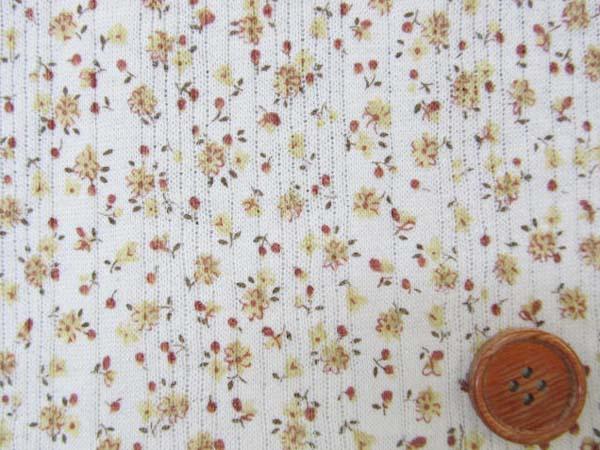 画像1: ♡値下げしました。巾134cm 針抜裏毛ニット 小花柄 (黄色の花/生成り地) はぎれ45cm