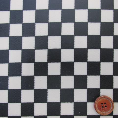 画像1: ▼訳あり チェッカーフラッグ(市松)柄 ツイル生地 (極小) 黒×生成 1.5cm角 ラミネートはぎれ50cm