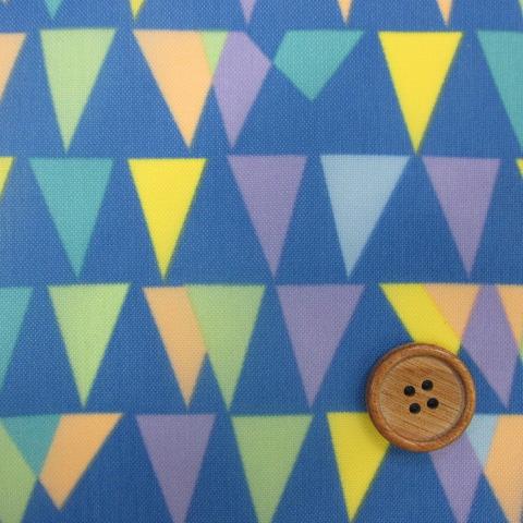 画像1: 撥水加工 ナイロンオックス生地 三角フラッグ柄 (ブルー)