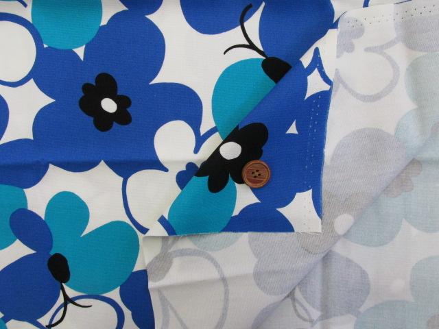 画像3: ☆花と蝶 大柄(ブルー) はぎれ90cm