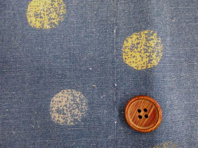 画像1: ☆【訳あり はぎれ】【和楽美】綿麻キャンバス  ランダムシャビードット (スモーキーブルー) はぎれ1m10cm