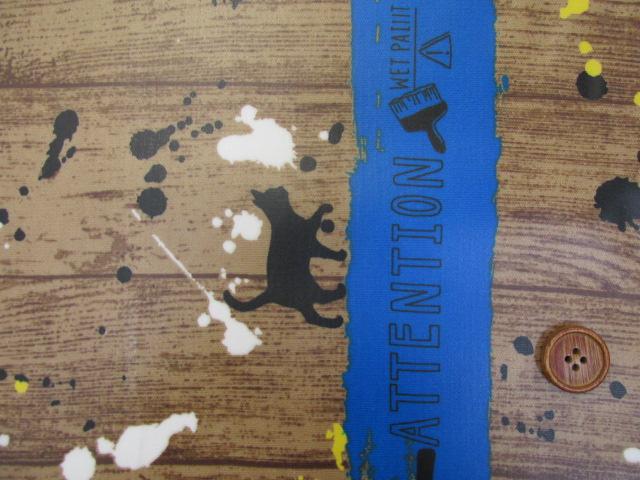 画像1: ネコ・ペイント・ペンキ・英字・肉球柄 両耳ボーダー オックス生地 ラミネート はぎれ40cm↑(青)