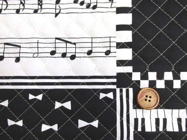 画像1: ピアノ・鍵盤・ドット・リボン・スクエア柄 オックス生地 (モノトーン) 全針キルト