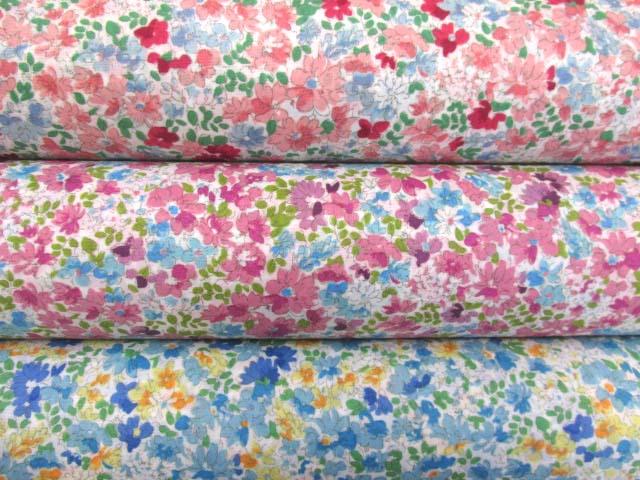 画像1: 撥水加工 ナイロンオックス生地 クラシカルフラワー・花柄