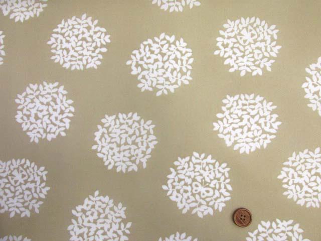 画像2: (2)撥水加工 ナイロンオックス生地 アジサイ・フラワーサークル・花柄 はぎれ25cm(ベージュ)