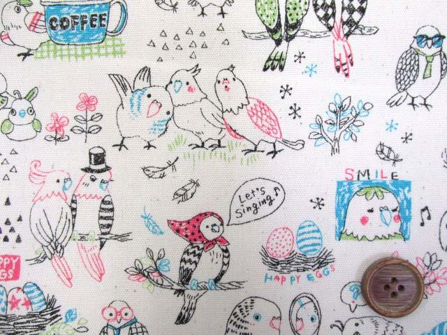 画像1: ◆インコ・鳥・おしゃべり柄 オックス生地 はぎれ80cm(ナチュラル)