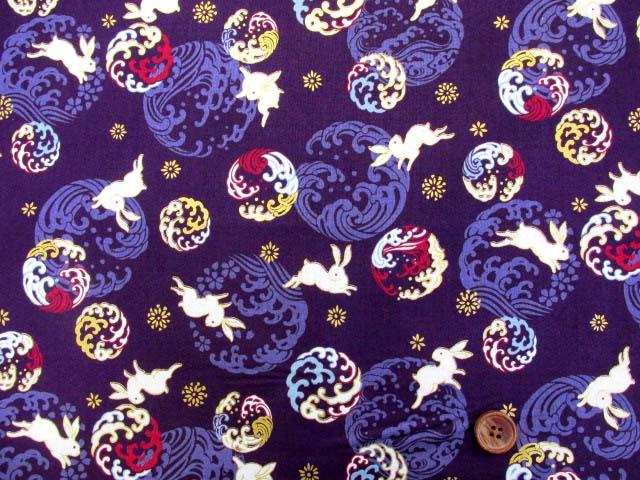 画像2: (5)キルトゲイト 莵と波・ウサギ柄 シーチング生地 ゴールドラメ入り はぎれ1m10cm (紫)