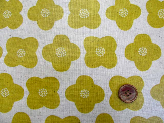 画像1: 綿麻キャンバス シンプルフラワー・花柄 ラミネート はぎれ25cm↑(マスタード)