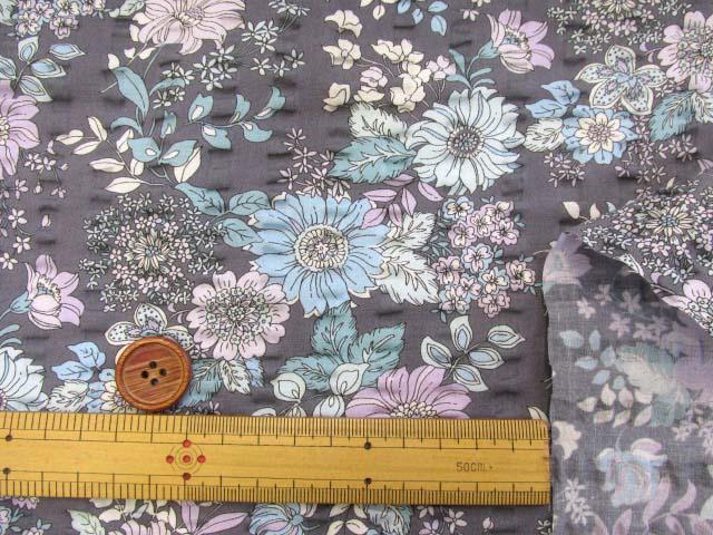 画像3: (3)クラシカルフラワー・花柄 リップル生地 はぎれ60cm (グレー)