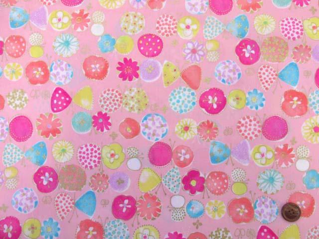 画像2: ☆セブンベリー お花と蝶々 ゴールドラメ入り ブロード生地 はぎれ20cm(ピンク)