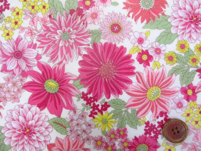 画像1: メモリアルフラワー・花柄 シーチング生地 (ピンク) ラミネートはぎれ45cm↑