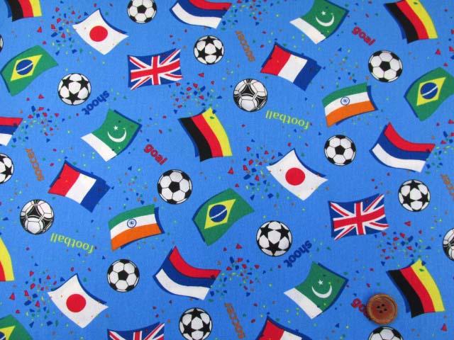 画像2: ☆サッカー・国旗柄 CB生地 はぎれ75cm(ブルー)