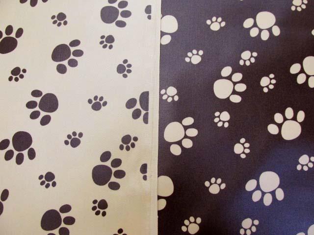 画像1: 犬のあしあと柄 ツイル生地  ラミネート つや消し