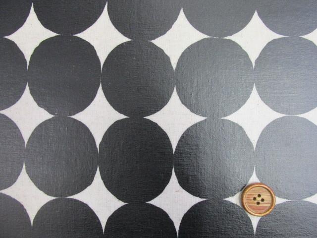 画像1: 綿麻キャンバス 和楽美 ナチュラルペイントドット (ブラック) ラミネート