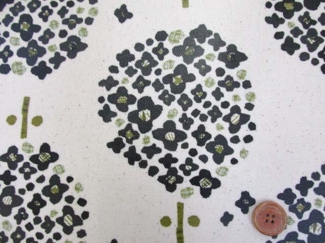 画像1: 北欧の森 大柄 アジサイ・フラワー柄 (生成り) 10番オックス生地 ラミネート つや消し