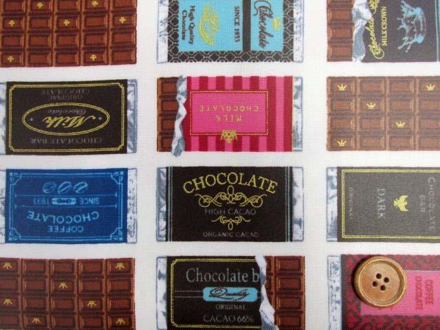 画像1: チョコレート・板チョコ・お菓子柄 オックス生地 (オフ) ゴールドラメ入り ラミネート つや消し
