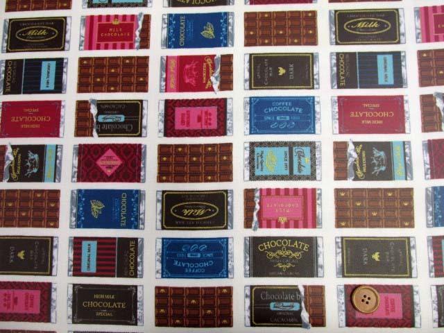 画像2: チョコレート・板チョコ・お菓子柄 オックス生地 (オフ) ゴールドラメ入り ラミネート つや消し