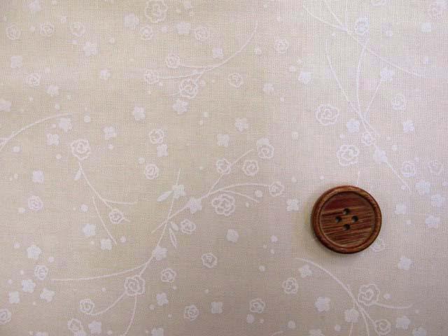 画像1: ナチュラルロマンス草木柄 (ベージュ) シーチング生地