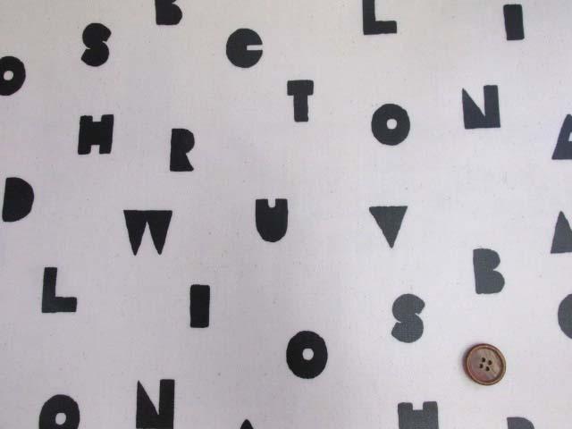 画像2: アルファベット・記号・マーク柄 オックス生地 (オフ) ラミネート つや消し