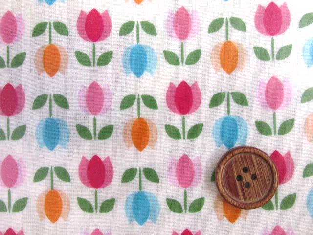 画像1: 値下げしました!レトロチューリップ・フラワー・花柄(オフ)スケア生地 ラミネート 半ツヤ