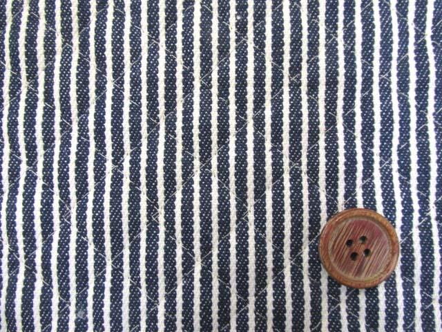 画像1: 綿ヒッコリー 生成のストライプ(紺地)全針キルト