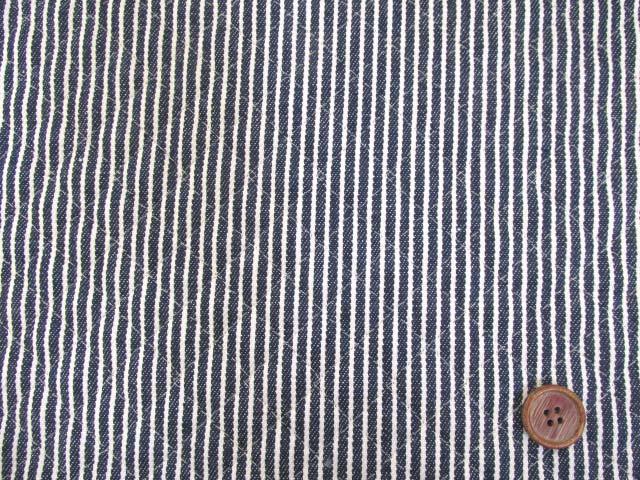 画像2: 綿ヒッコリー 生成のストライプ(紺地)全針キルト