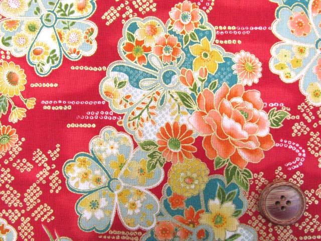 画像1: 和柄 花柄 ゴールドラメ入り スケア生地(赤)