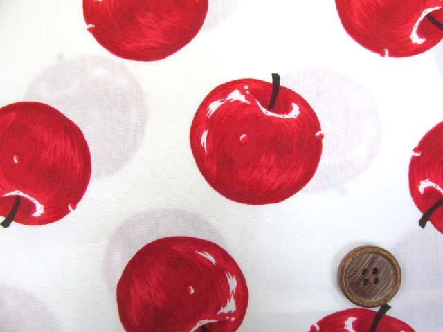画像1: りんご・アップル・リアルタッチ柄 ブロード生地 (オフ)