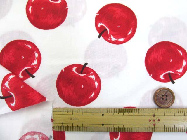 画像3: りんご・アップル・リアルタッチ柄 ブロード生地 (オフ)