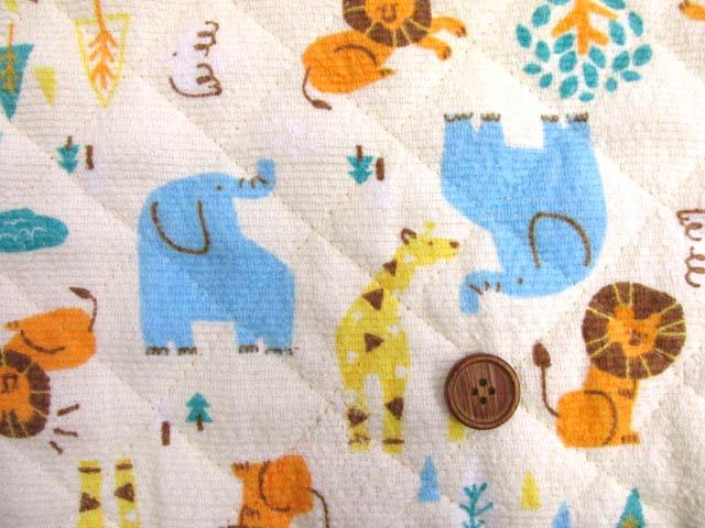 画像1: アニマルパーク・ゾウ・キリン・ライオン柄 (クリーム色) タオル生地  半針キルト