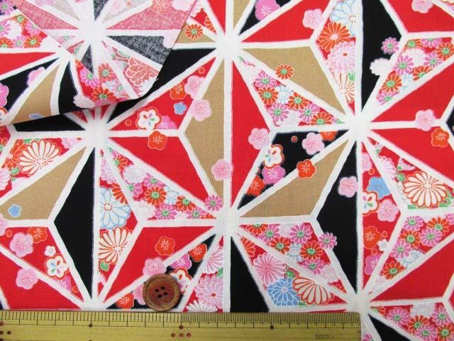 画像3: 和柄 菊・椿・麻の葉柄  アムンゼン生地 (黒×赤)