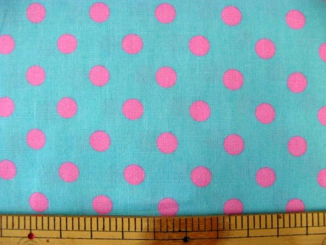 画像1: ブルー地にピンクのドット柄(7mm)ブロード生地